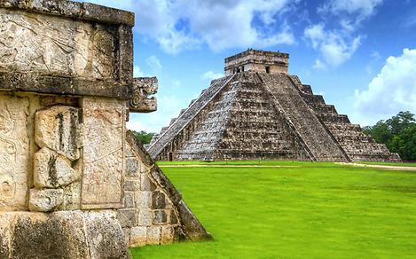Chichen Itza, Kukulkan Pyramid, Mexico