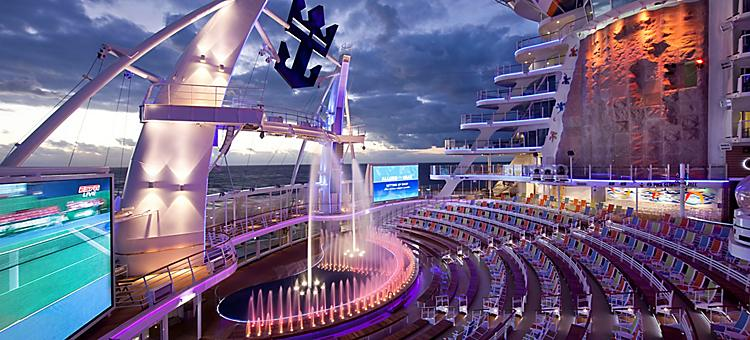 Interiors, Allure, Allure of the Seas,  Aqua theater,