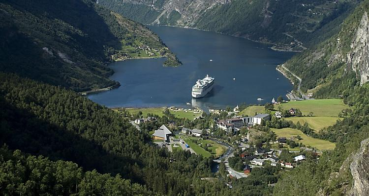 VI, Vision of the Seas, Ship Exteriors, fjord, fjords, mountain, glacial inlet, Norwegian fjord, Norway, Geiranger