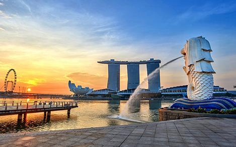 sunrise at Singapore City Skyline view at Marina Bay