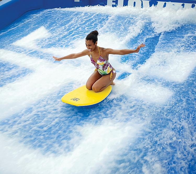 Flowrider Girl on knees boogie board