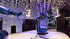 QN, Quantum of the Seas, Bionic Bar, technology, entertainment, beverage, drinks, robot, robotic bartender