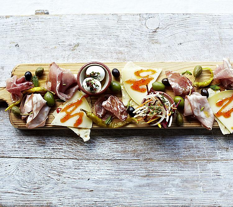 Jamie's Italian Meat Cheese Charcuterie Planks of Food Hero