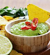 sabor guacamole tortilla chips lime table