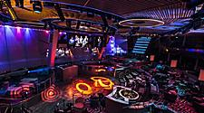 "QN Entertainment, Two70, Virtual Concert, music performance, two70 Screens, ""Santa Fe & the Fat City Horns,"" audience, lounge,"