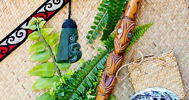 Shopping for jade carving necklaces in Bay of Islands, New Zealand