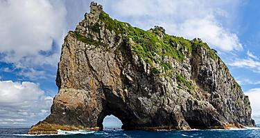Hole in the rock in Bay of Islands, New Zealand