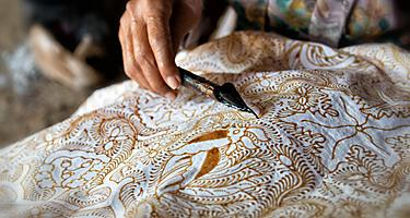 Traditional henna and arts on the crafts in Bali, Indonesia