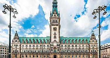 Frontal view of the town hall in Hamburg, Germany