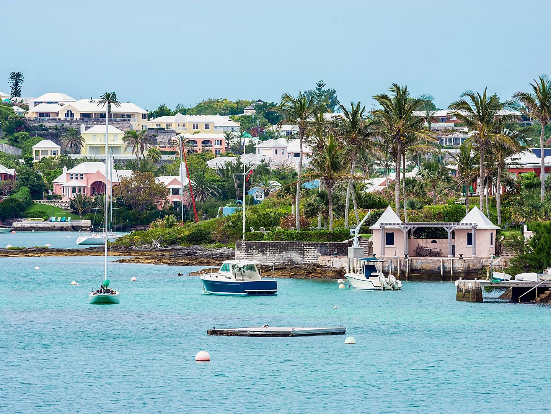 Hamilton, Bermuda Shoreline Boats