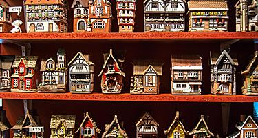 Miniature traditional homes souvenirs
