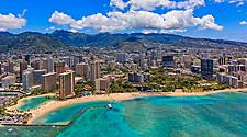 Aerial view of the Honolulu, Hawaii and the surrounding mountains