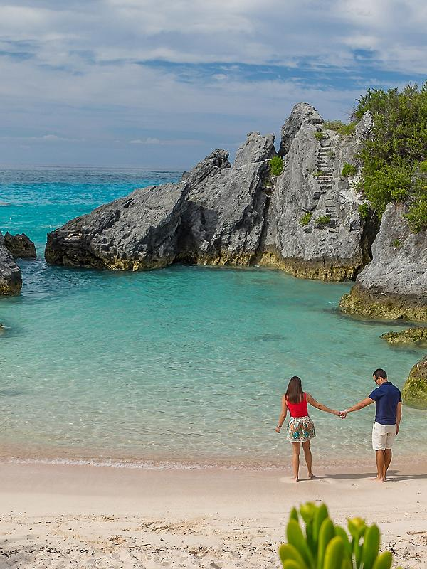 Bermuda Kings Wharf Beach Stroll