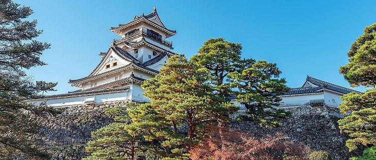 Beautiful white Kochi Castle is a Japanese castle in Kochi built by Yamanouchi Kazutoyo in 1601