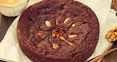 A round honey cake