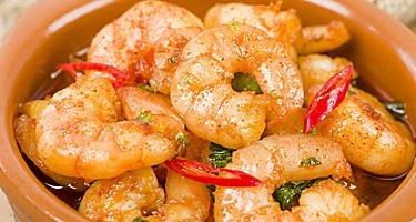 Gambas Pil Pil shrimp dish in a bowl