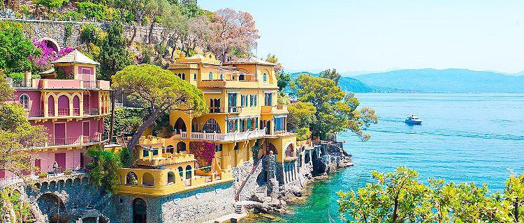 Beautiful sea coast with colorful houses in Portofino, Italy