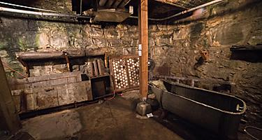 Tour of Seattle's underground level in Washington