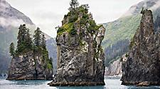 Have a minute and enjoy the breathtaking view in the Resurrection Bay and it's mountains in Seward Alaska