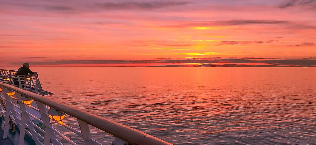 Things To Do Explorer Of The Seas Royal Caribbean Cruises