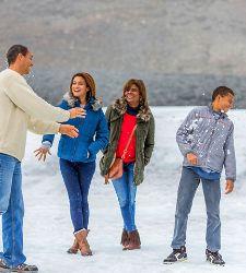 Canada Jasper Athabasca Glacier Family Snow Ball Fight Cruise Tours