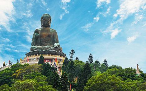 Giant Statue of Tian Tan Buddah