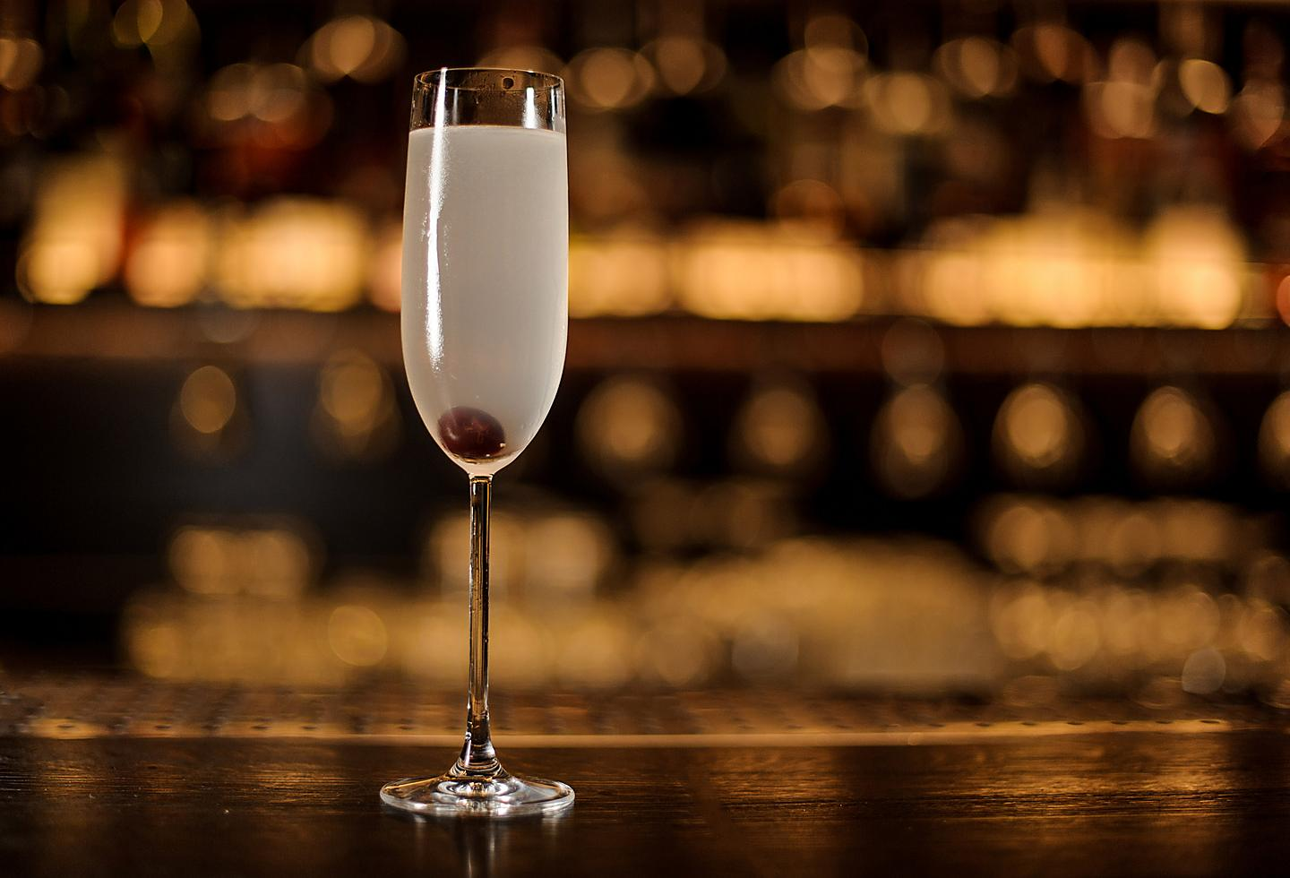 New Orleans Arnaud French 75 Bar Cocktail