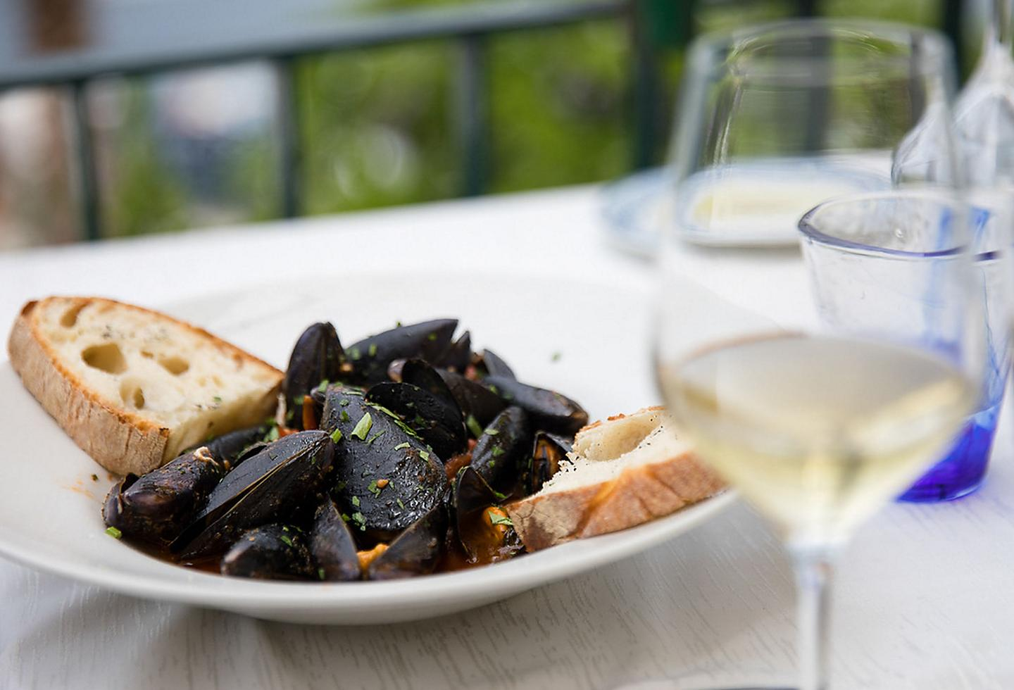 Italy Seafood Mussels Wine Sauce