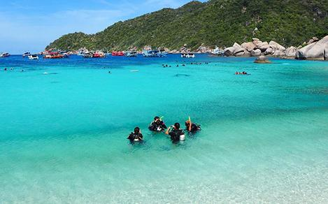 Scuba Divers at Surat Thani Beach