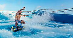 Man Splashing in FlowRider® | HP