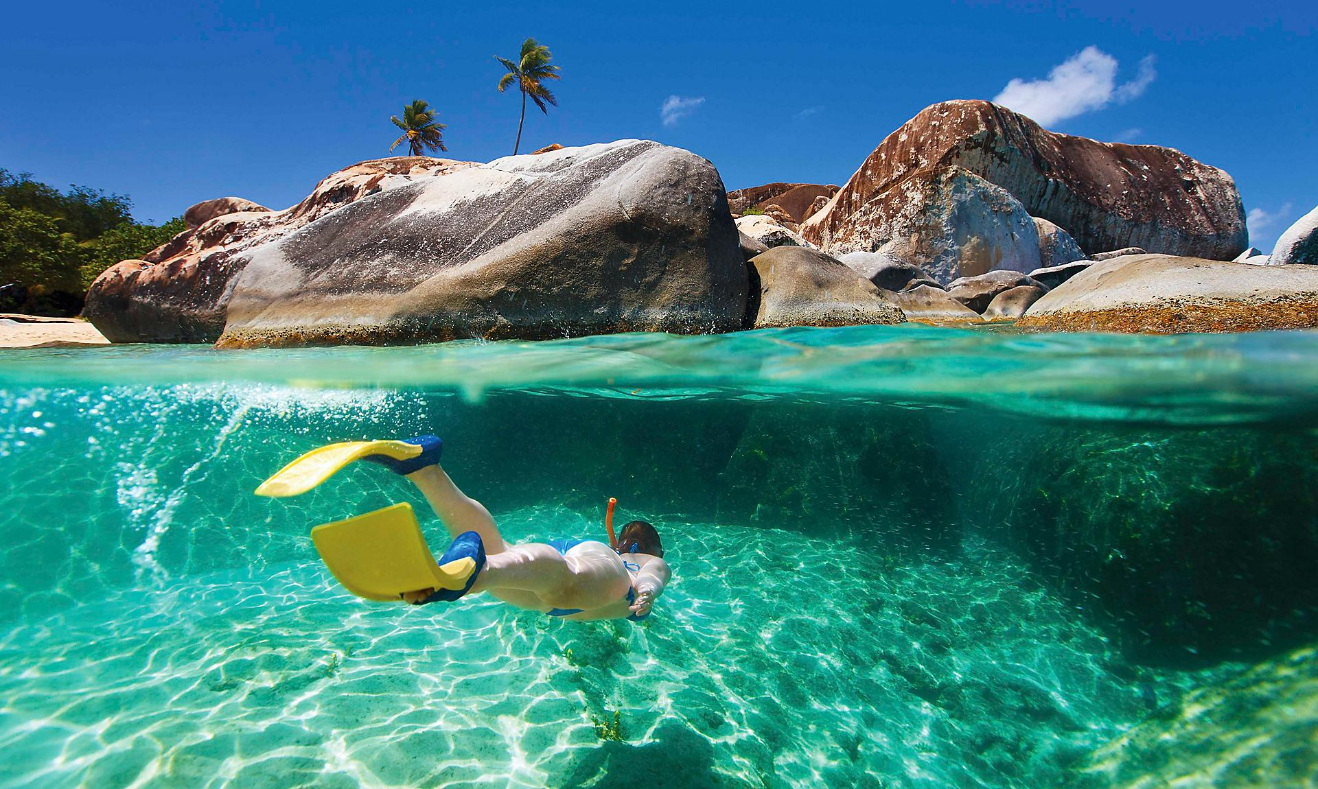 British Island, The Baths of Virgin Gorda, schnorchelnde Fraustyle=